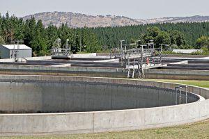 800px-Wonga_wetlands_sewage_plant